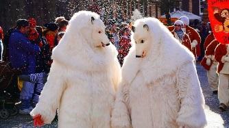 Feiertage 2020 - Karnevalsumzug - Eisbären